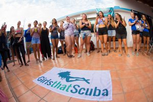 Girls That Scuba dive in Cabo San Lucas