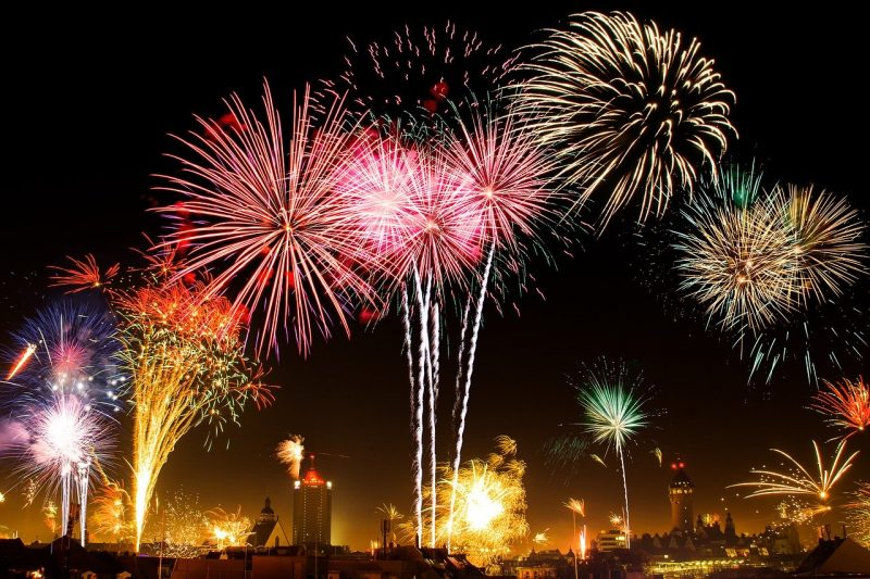 Pretty fireworks at New Year's - more dangerous than sharks